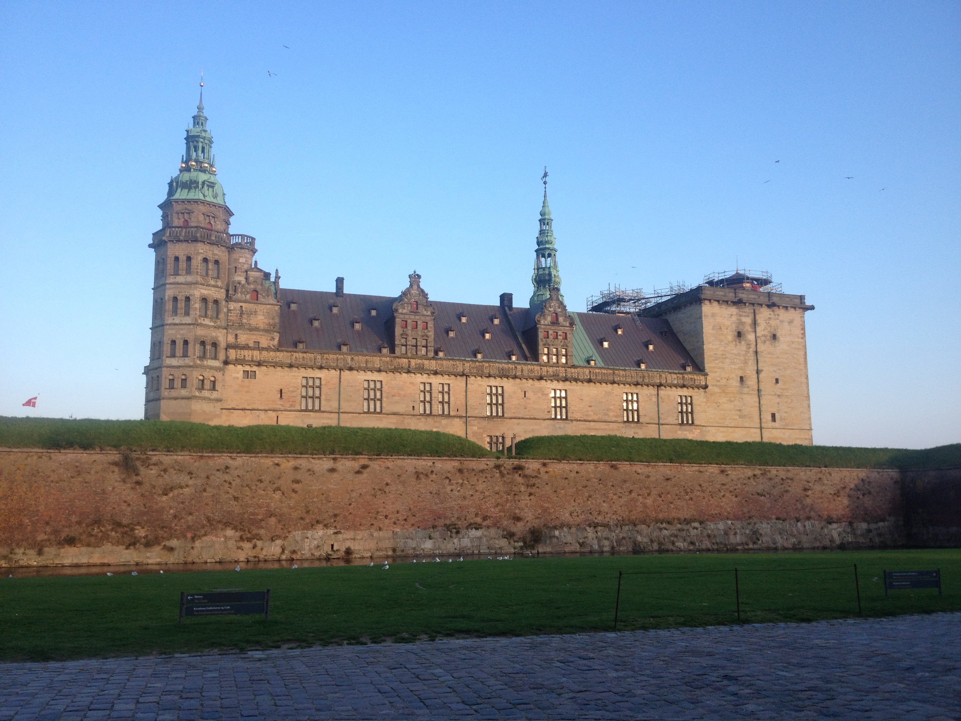 The castle at Helsingør, where Shakespeare's Hamlet took place.